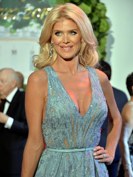 Victoria Silvstedt arrives at the Monaco Red Cross Gala