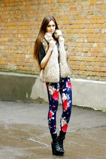 Çiçekli pantolon modelleri