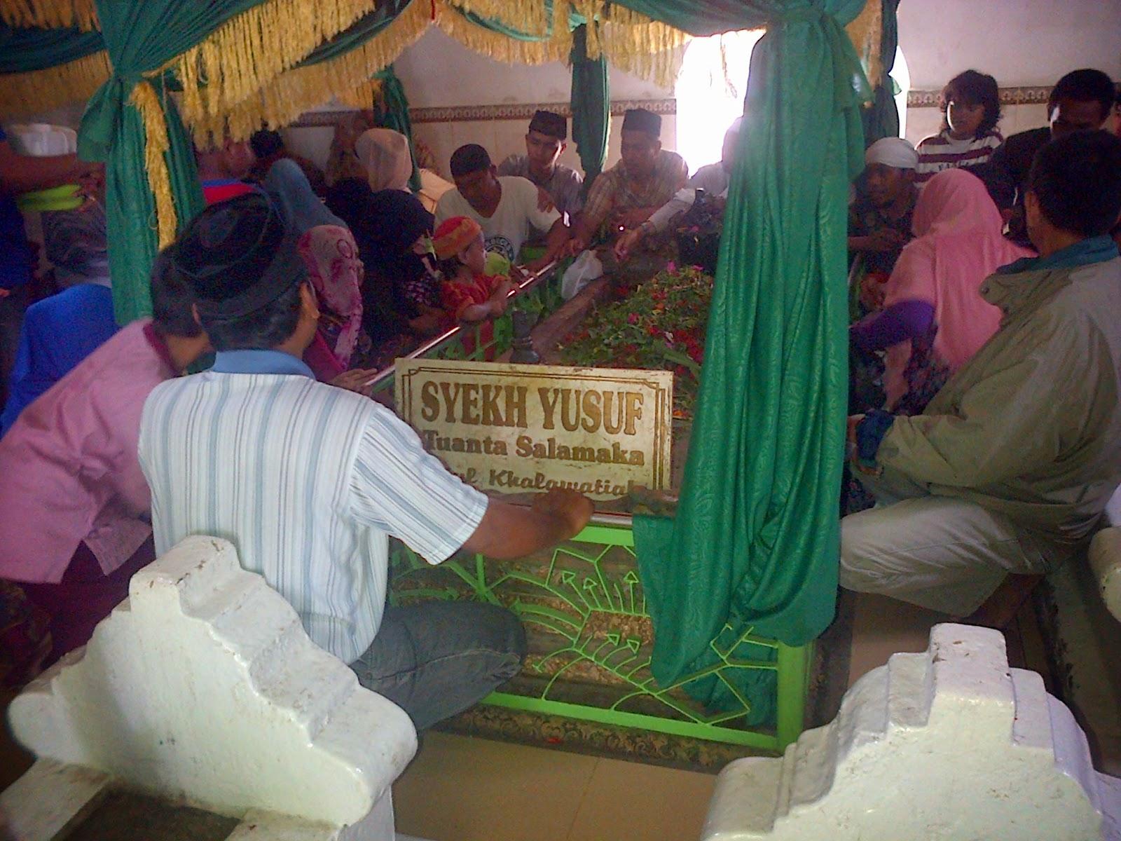 Latar Belakang : Fenomena Makam Syekh Yusuf