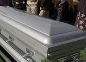 للكبار فقط....عجوز فى الثمانين يعود للحياة أثناء مراسم جنازته !!!!