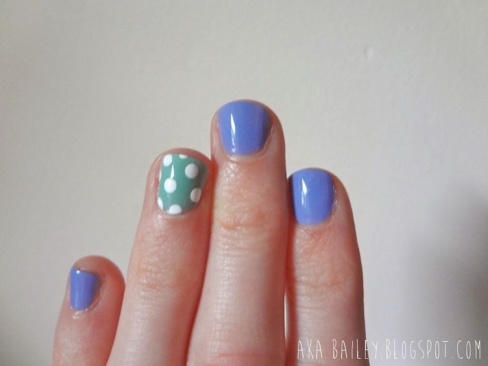 Turquoise & Caicos, Lapiz of Luxury, Polka dot accent nail
