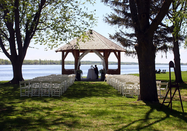 wedding at Chateau Montebello