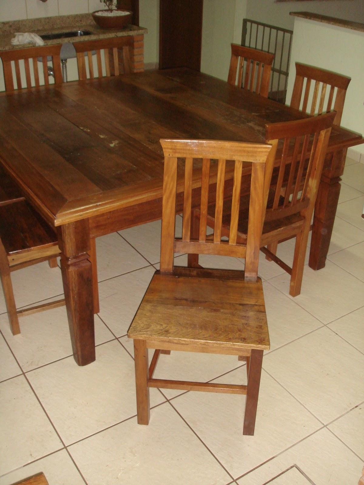 antiguidades: Jogo de mesa e cadeiras em madeira de demolição #6C3B1D 1200x1600