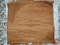 Tronco navideño de ferrero-montaje bizcocho desenrollado