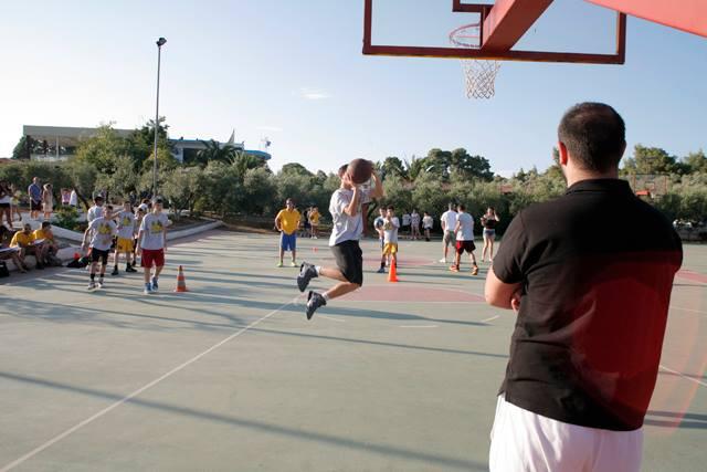 Ο Ανδρέας Κεσαπίδης στο Aris Basketball Camp-Φωτορεπορτάζ