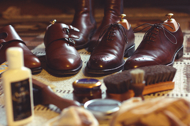 Skórzane buty wymagają zaimpregnowania specjalnymi preparatami.