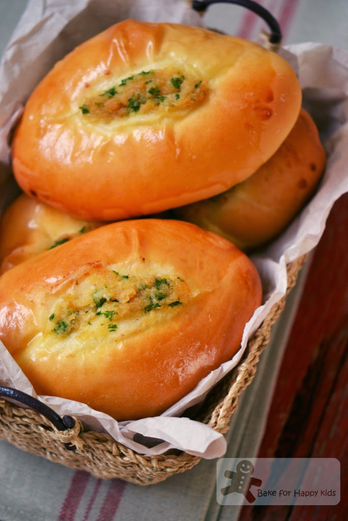 wu pao champion garlic bread
