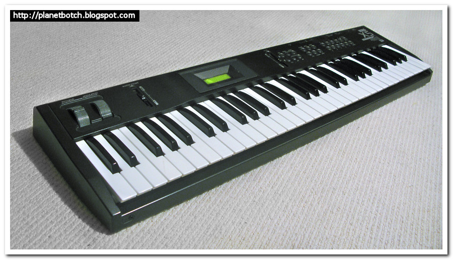Korg X5 synthesizer