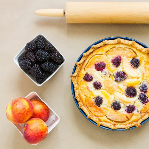 Peach & Blackberry Cobbler Pie | LLK-C.com