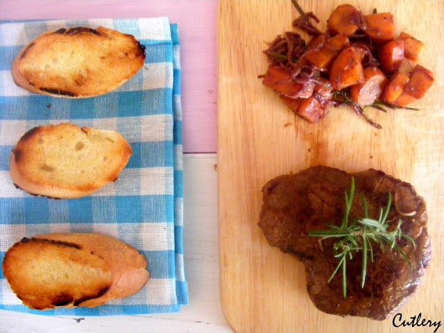 Steak - medium rare s vínovou omáčkou