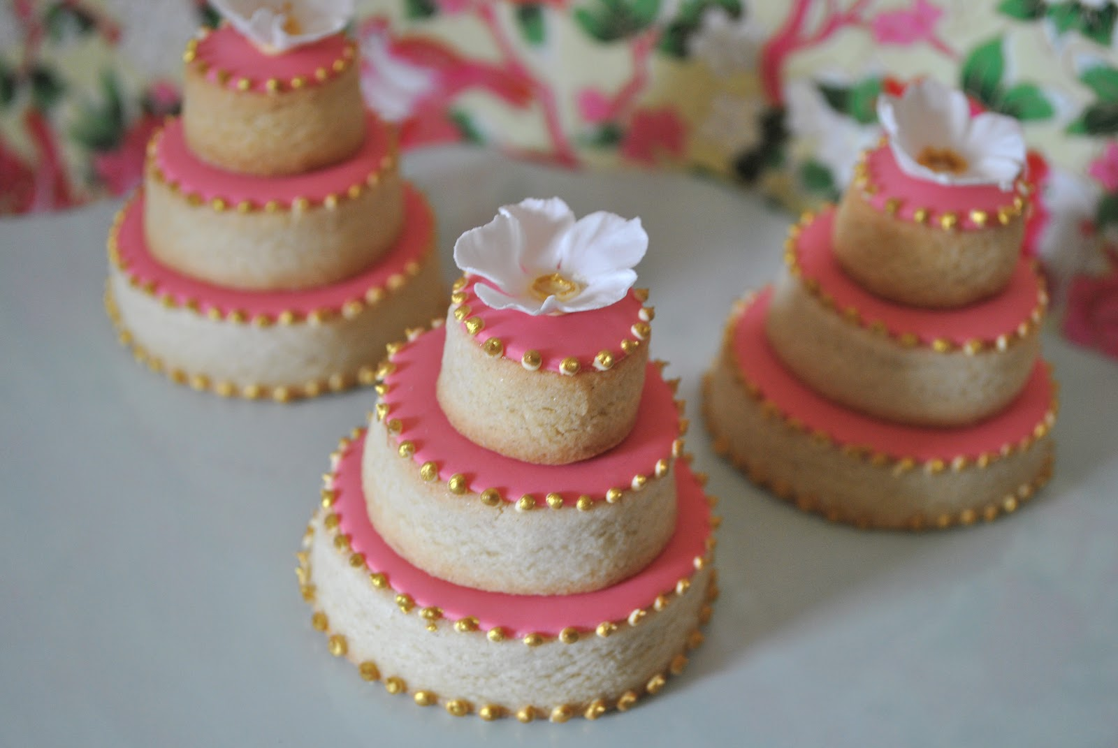 Pat- A-Cake Pat-A-Cake: Mini cookie wedding cakes