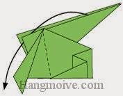 Bước 10: Gấp cạnh giấy xuống dưới sao cho nằm giữa hai lớp giấy.