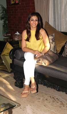 raveena tandon at coffee been in mumbai latest photos