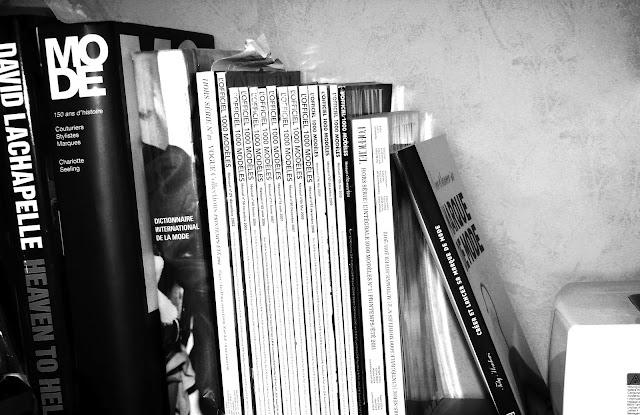 Une partie de la bibliothèque d'une styliste
