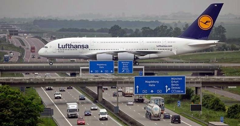 مطار لايبزغ/هال في ألمانيا يستخدم الجسور فوق الطريق السريع كمدارج إقلاع و هبوط