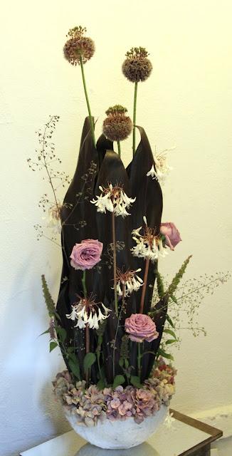 bloemschikken najaar - ronde schaal