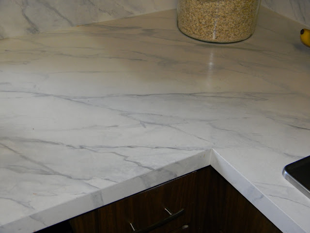 Countertop Paint Near Me : GORGEOUS SHINY THINGS: How To Happy Hour- Faux Carrara Marble + IKEA ...
