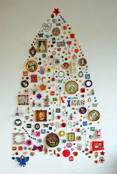 close-up-of-alternative-christmas-tree-with-trinkets