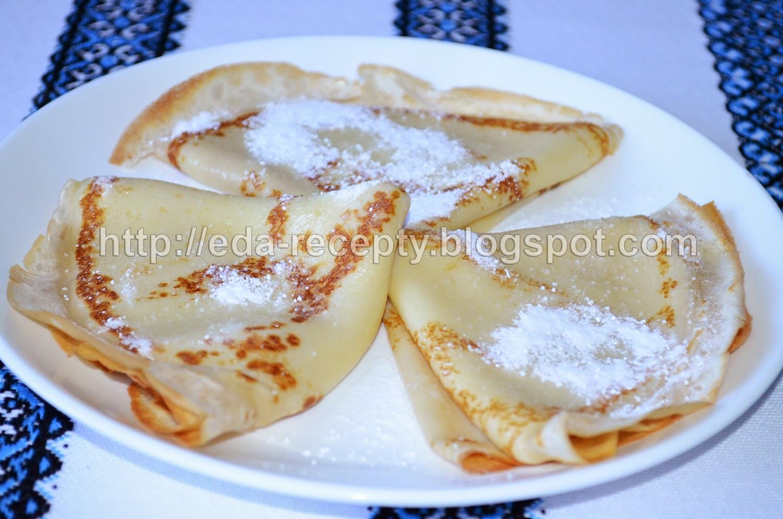 Блинчики тонкие на молоке: посыпать сахарной пудрой