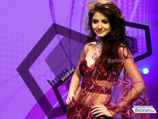 Anushka sharma mhroon bra