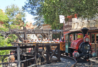 Big Thunder Mountain Railroad Disneyland Rainbow Ridge Town