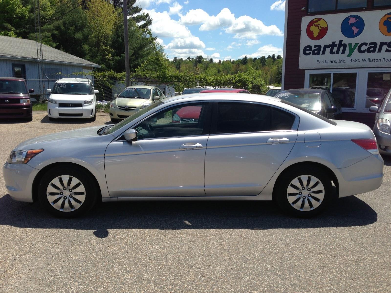 2010 Honda Accord 2.4 LX P, Silver, Sedan, 6516 Mi, $17,995 $16,500  Http://bit.ly/19kJgrV Full Size, 5 Spd Automatic, MPG U003d 21/31