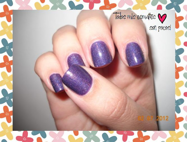 lady of the lake, holographic, nail, esmalte, nail polish,