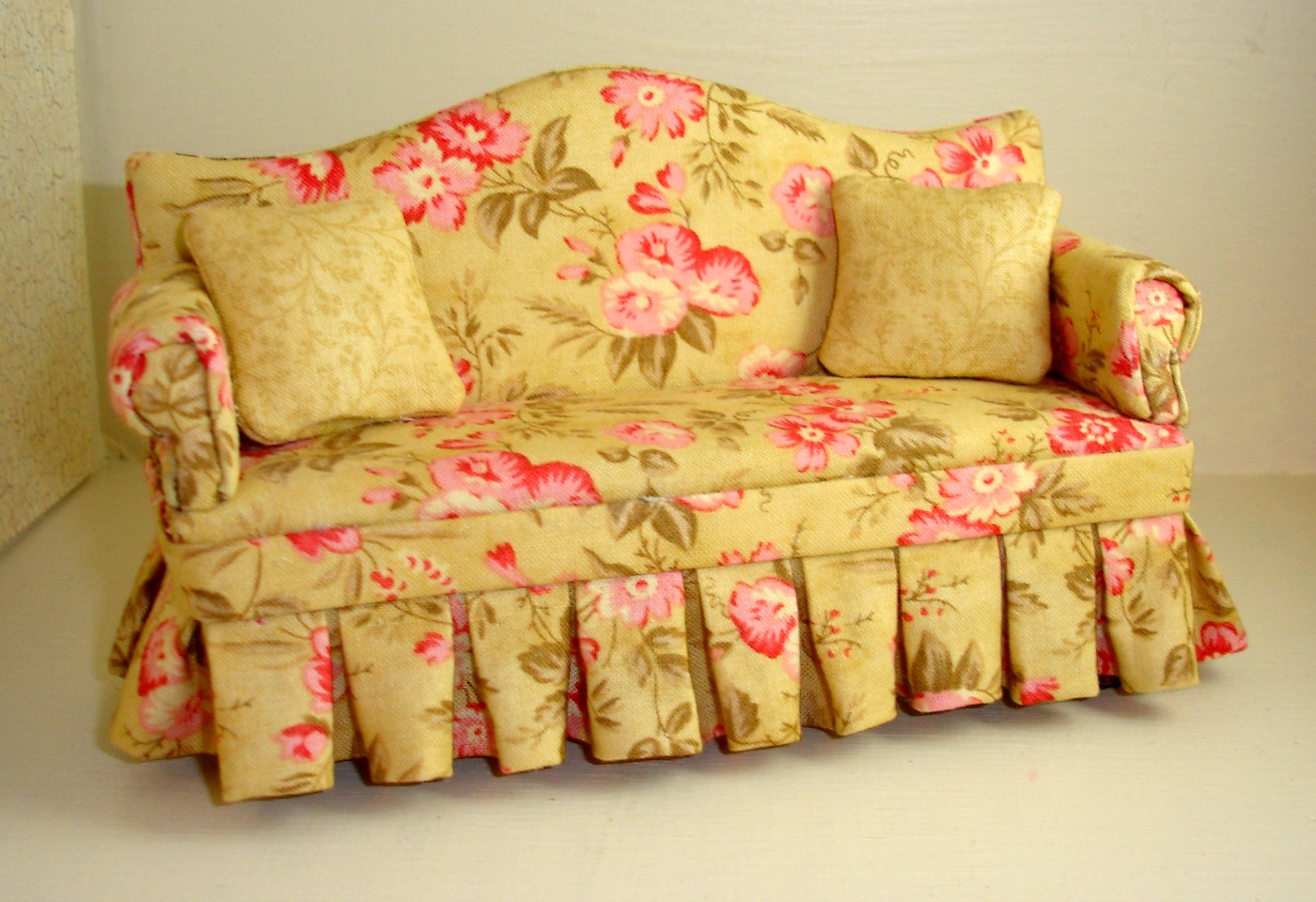 Floral Sofa 28 Images Happy Quot Cow Ches