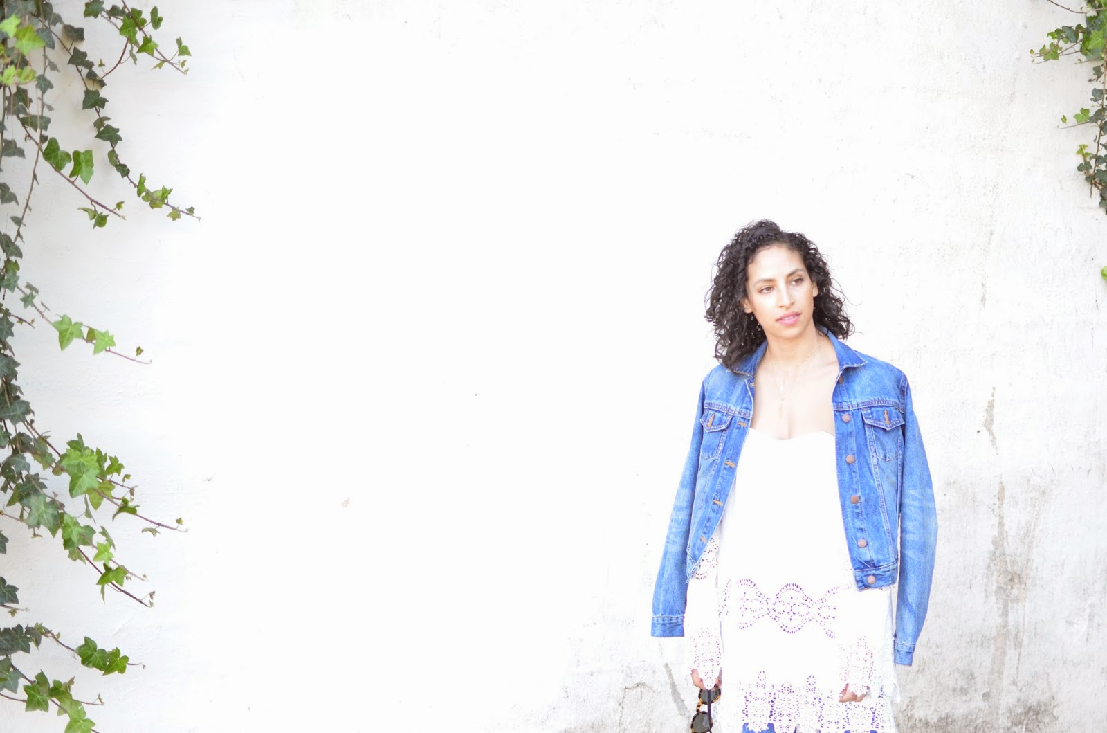 stone cold fox marrakech dress, stone cold fox, revolve clothing, short curly hair,SF street style, gap denim jacket