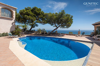 piscina con cubierta1 Piscina irregular con cubierta automática