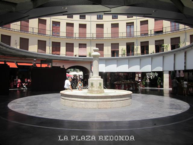 Blogger Traveller Valencia: Plaza Redonda