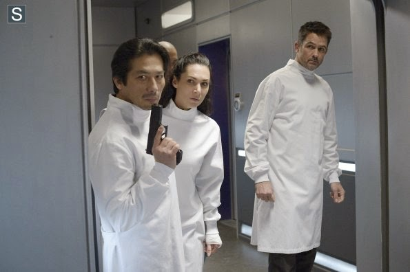 Helix - Episode 1.13 - 'Dans L'Ombre' (Season Finale) Preview
