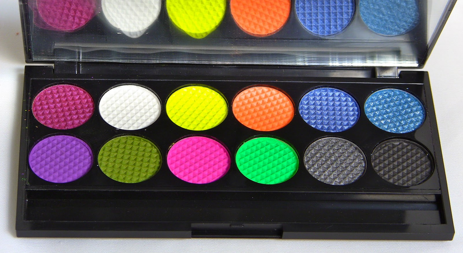 Sleek Divine palette Acid