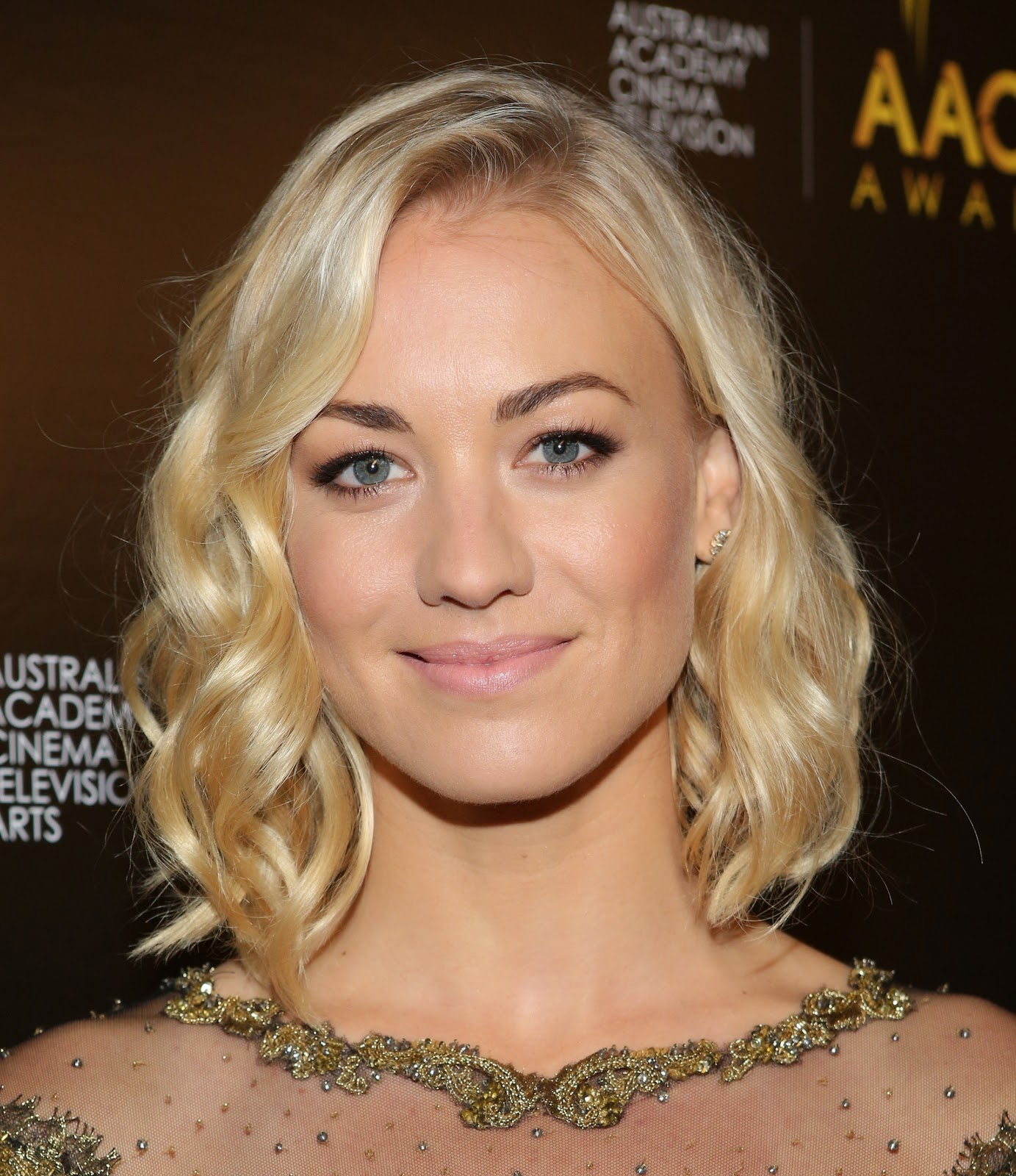 australian actress yvonne strahovski hd pictures amp profile
