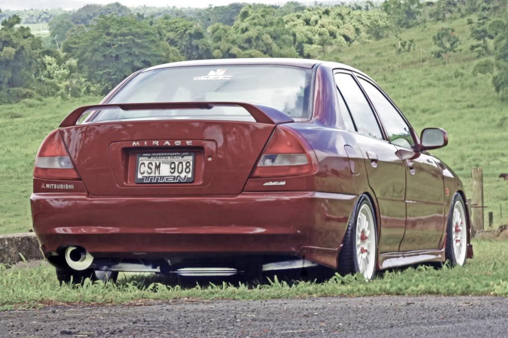 Mitsubishi Mirage (Lancer), japoński sedan, tuning, niskie zawieszenie, zdjęcia