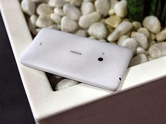 Nokia Lumia 625 - 560x420