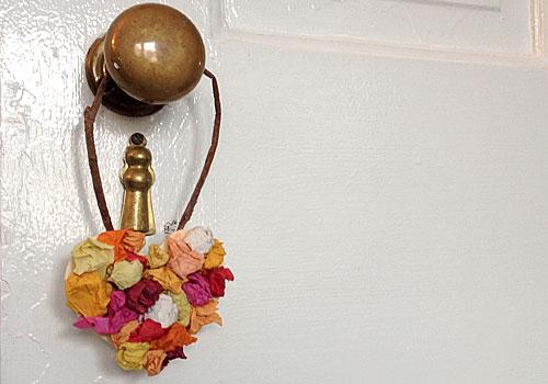 http://www.weknowstuff.us.com/we-know-stuff/2014/01/kids-craft-hanging-heart-decoration.html