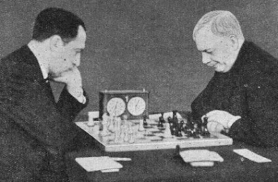 Koltanowski-sir George Thomas en el Torneo de Ajedrez de Hastings de 1935