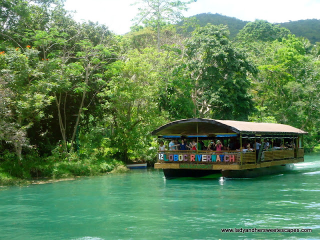 boat encountered during Loboc River Cruise
