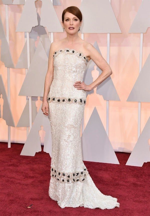 julianne moore chanel haute couture oscars 2015