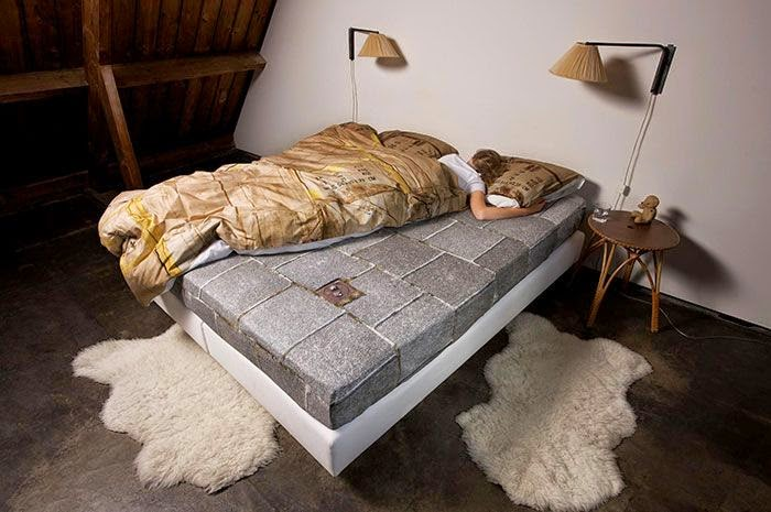 the coolest bed covers ever damn cool pictures. Black Bedroom Furniture Sets. Home Design Ideas