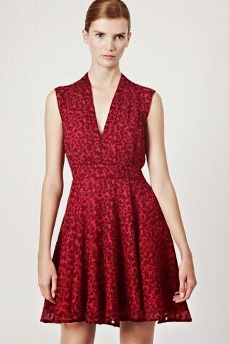 kırmızı desenli gece elbisesi
