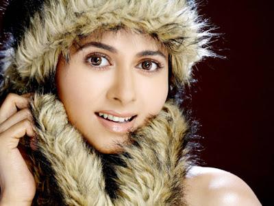 Daisy Bopanna Anjali sexy picture