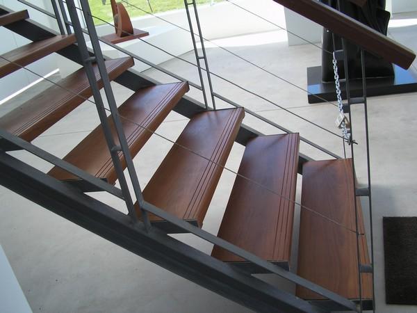 puertas en metal y madera