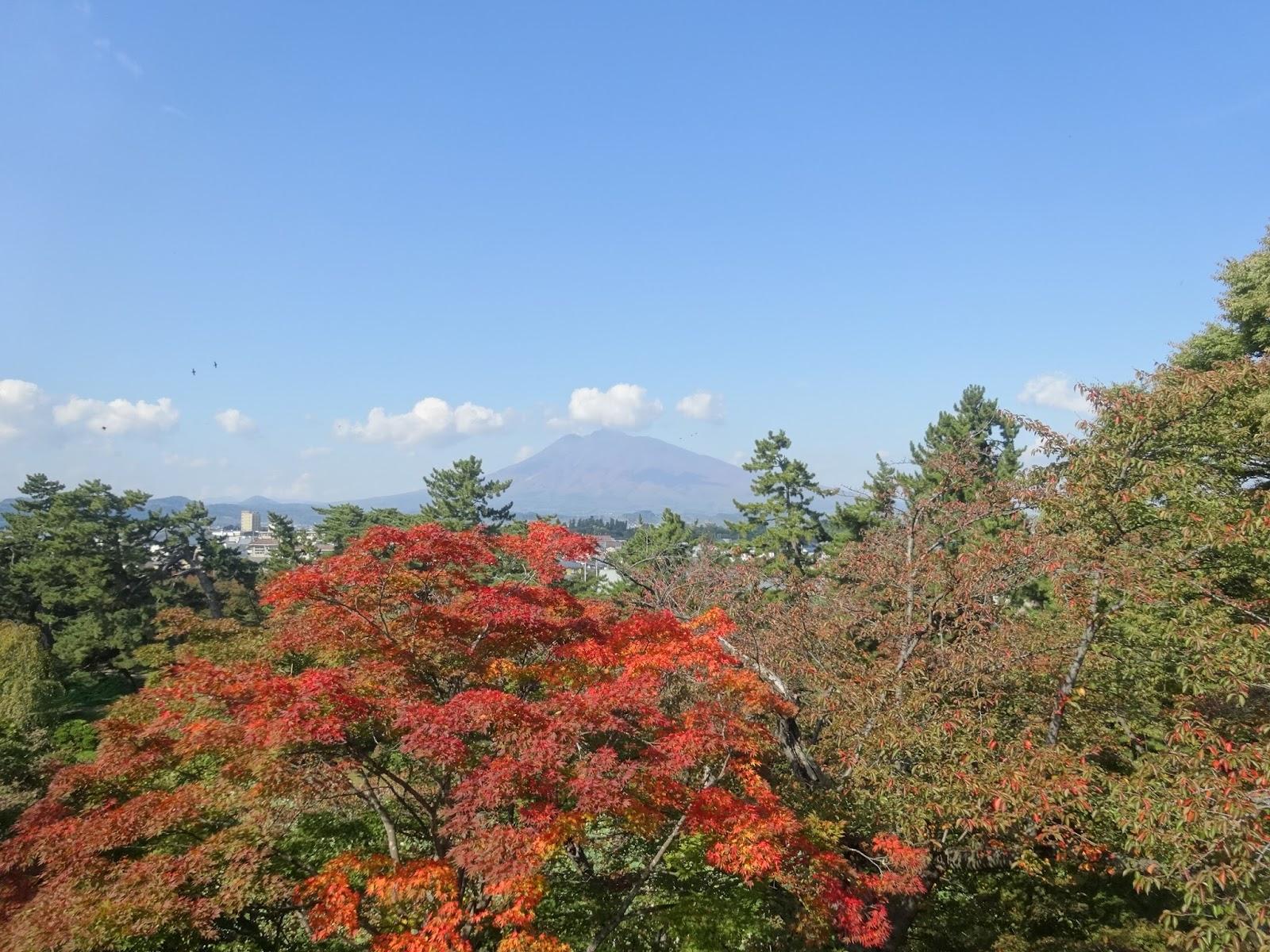 岩木山,弘前公園,紅葉,青森〈著作権フリー画像〉Free Stock Photos