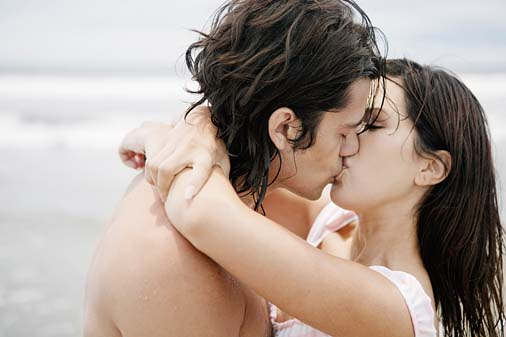Breast Kiss Tips http://mixtarhka.blogspot.com/p/romantic-tips_29.html