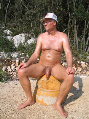 daddi ont he beach - naked beach daddies - big dick sexy