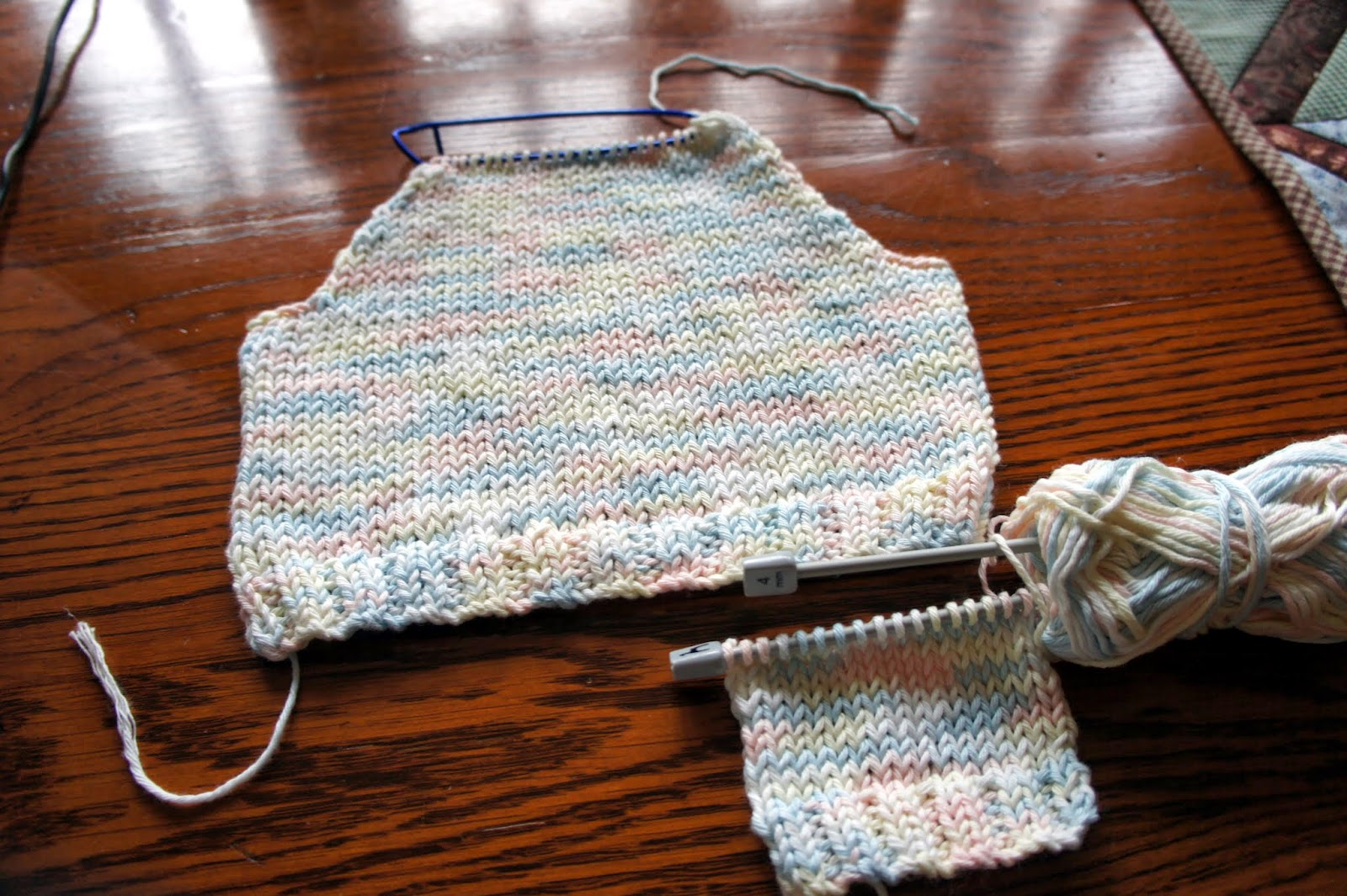 GRANNYS WORLD: Knitting - Busy on the needles