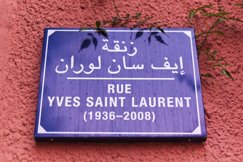 Sending postcards jardin majorelle for Jardin yves saint laurent