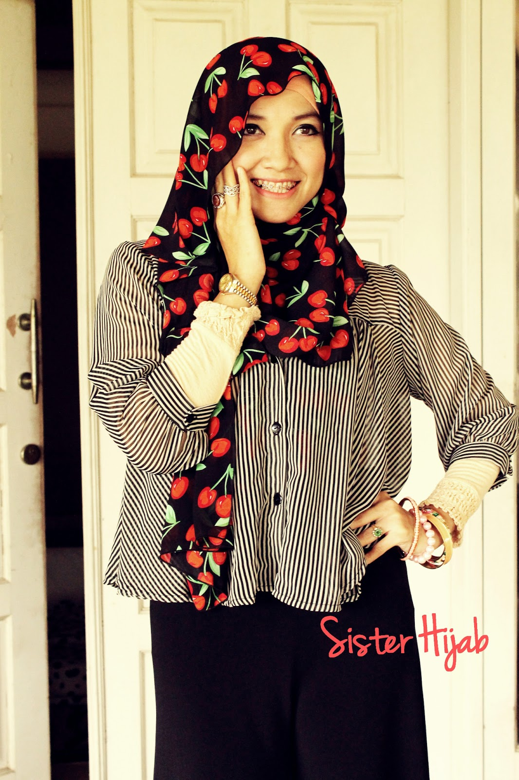 Sister Hijab Style Inspiration Cherry In Black